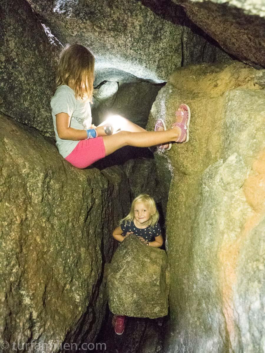 ved veis ende i en hule i jätteberget