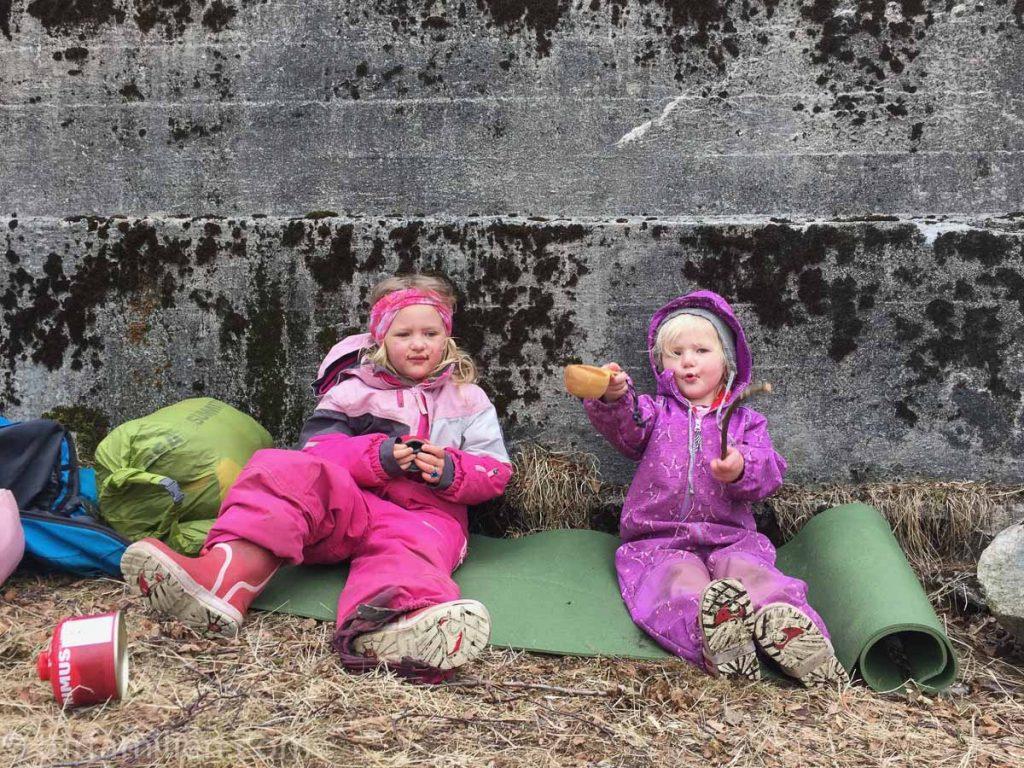 pause på telttur med barn