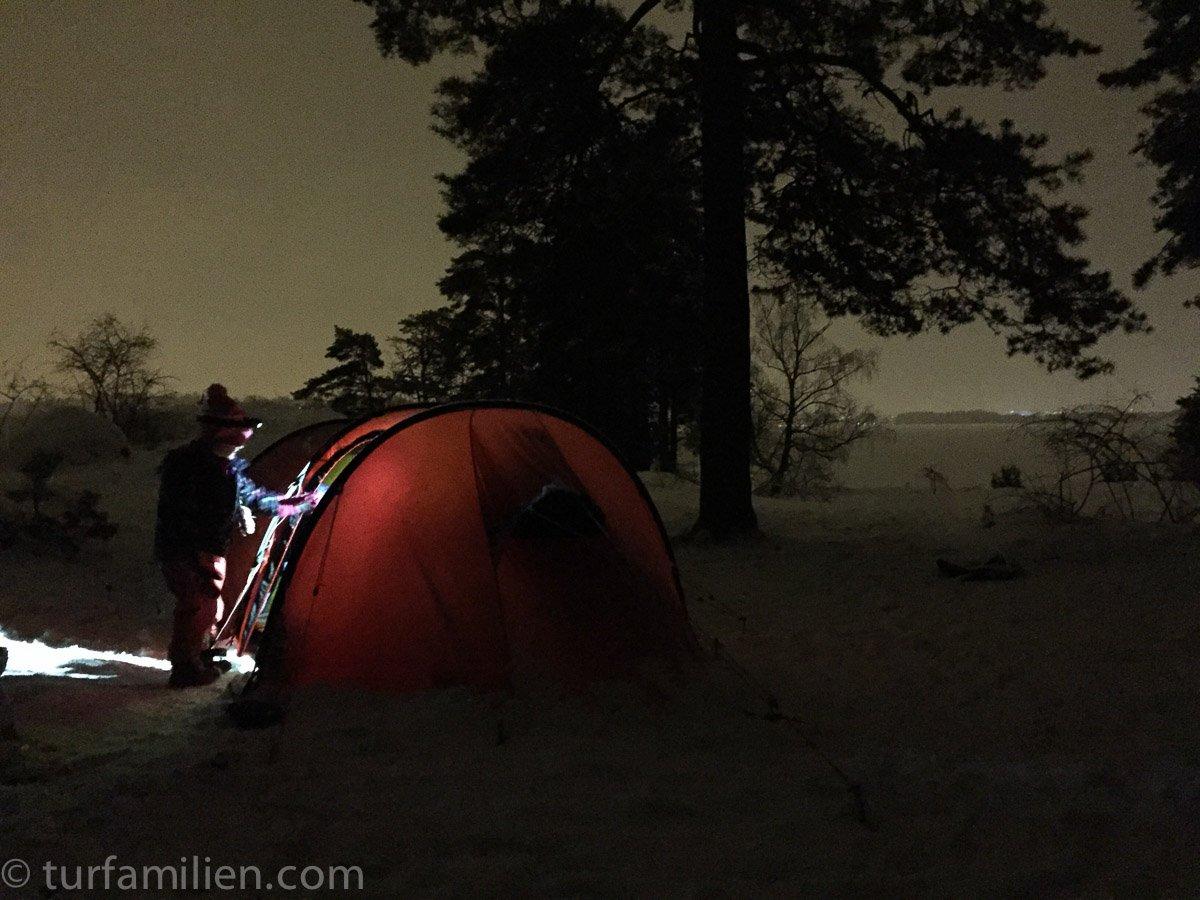 telttur med barn på vinteren
