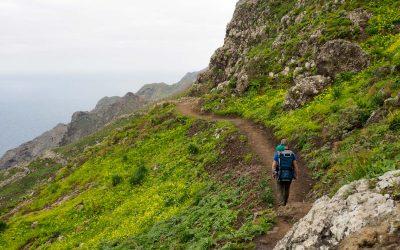 Fjell, fyrtårn og Tenerifes østligste punkt