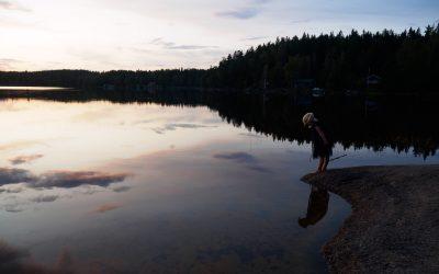 Kveldsbad og natt i gapahuk ved Lillsjön